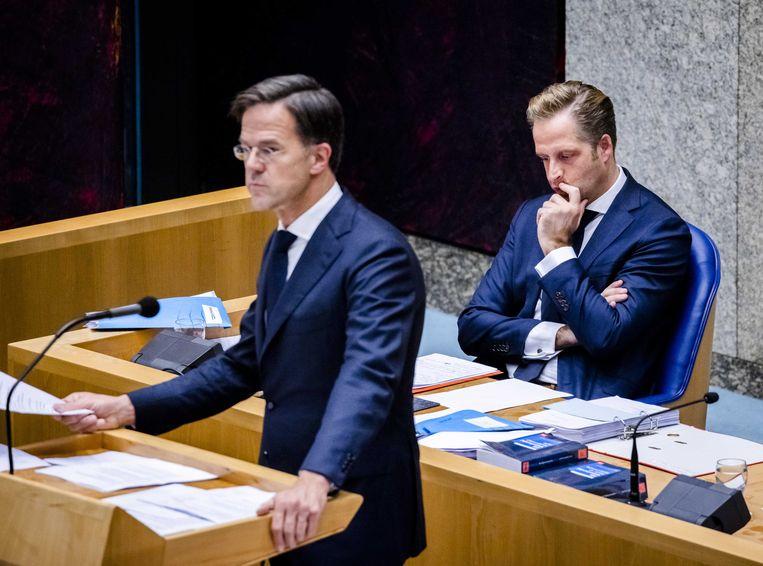Premier Mark Rutte en Hugo de Jonge, minister van Volksgezondheid, Welzijn en Sport. Beeld ANP