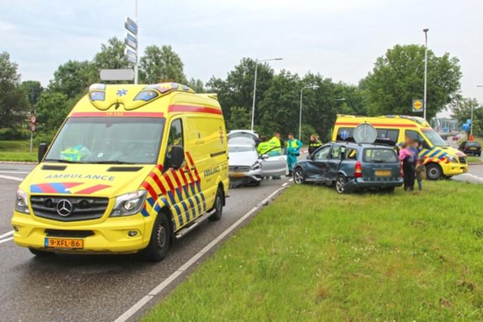 Twee ambulances kwamen ter plaatse.