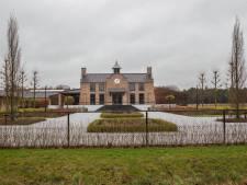 Fiscus mogelijk voor 4 miljoen benadeeld: beslag blijft op stallencomplex Salvador Stables in Valkenswaard