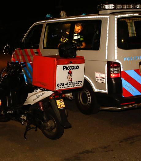 Politie zoekt man die overvallen pizzakoerier te hulp schoot