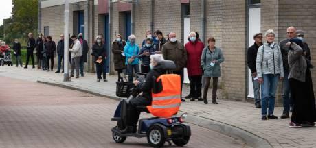 Lange wachtrijen bij Culemborgse sporthallen voor ophalen griepprik