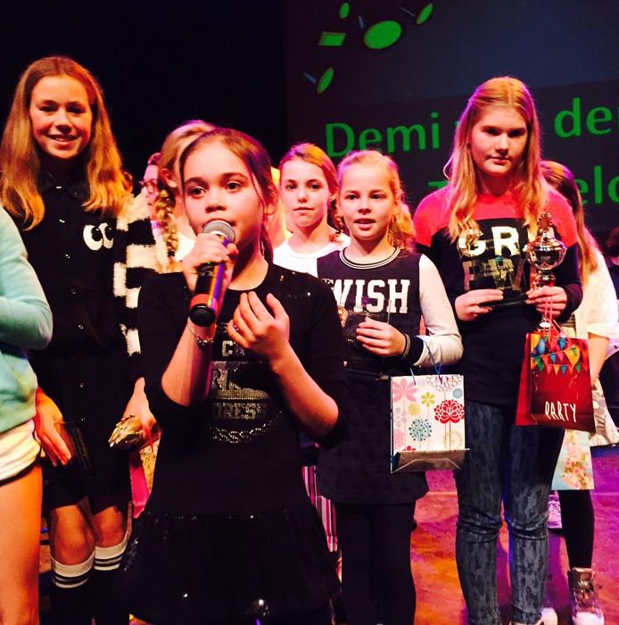 Van links naar rechts de winnaars: Manon Mensink, Demi van den Bos, Bente Asschert, Daisy Meijer.