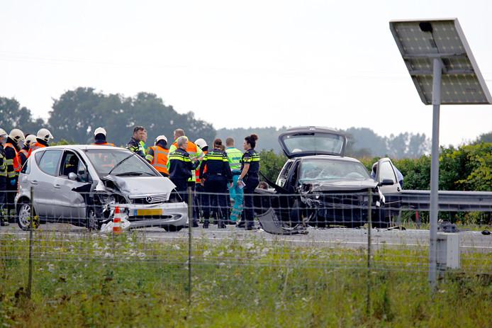 Hulpdiensten op de A73 bij Boxmeer na een ongeval vorig jaar met een spookrijder.