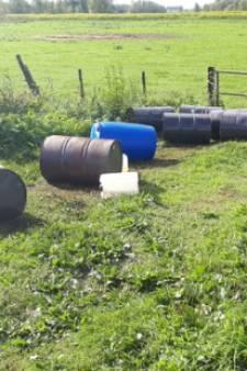 Vaten met 2000 liter chemisch drugsafval gevonden in Echteld