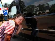 Vandaal die invalidenbusje vernielde in het nauw: dader meldt zich bij ouders