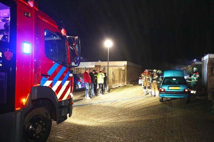 Opnieuw een autobrand in Oss. Ditmaal was het raak aan de Tollensstraat.