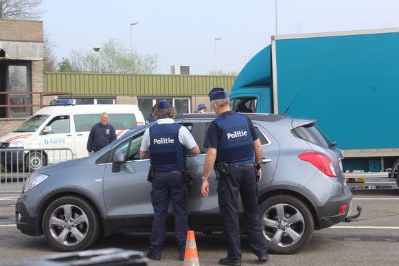 Zaterdagavond vanaf 18 uur werden bestuurders gecontroleerd aan de grensovergang.