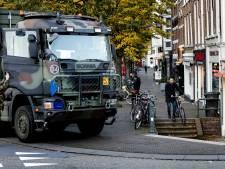 LIVE: Al zo'n drieduizend boeren bij RIVM, Defensie blokkeert straten Den Haag met trucks