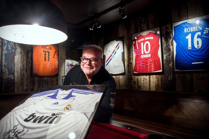 Gerrit Koning van het 'Robben-café' in diens geboorteplaats Bedum.