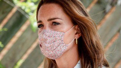 Kate Middleton maakt mondmaskers met bloemenprint hip: 8 mooie exemplaren