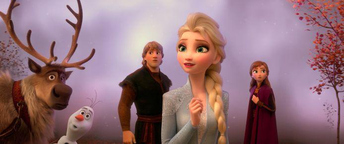 Sven, Olaf, Kristoff, Elsa en Anna in Frozen 2.
