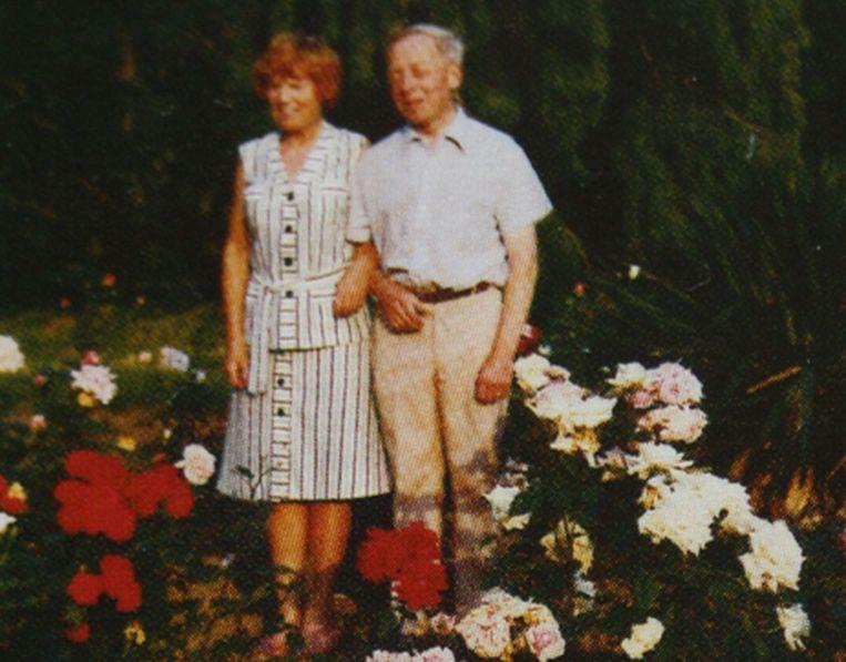 Paul Bail en zijn vriendin Marie Spiette in het park van Hoegaarden.