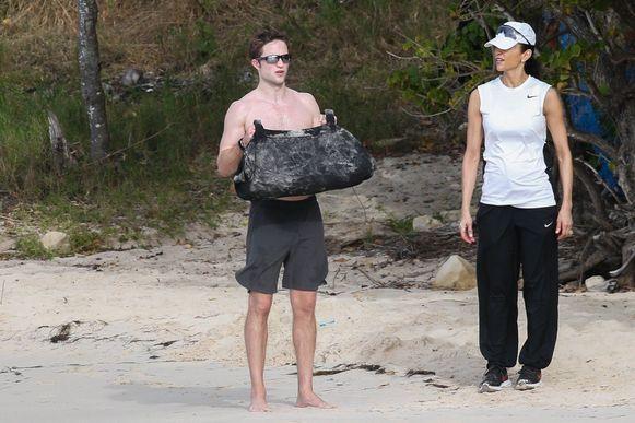 Robert met zijn personal trainer.