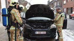 Auto uitgebrand aan Arsenaalsweg