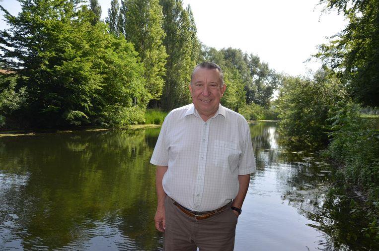 André Verstraeten schreef een boek over de Durme: de rivier die zich uitstrekt van Tielt tot Tielrode.