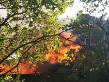 Forse rookontwikkeling bij grote brand in stapel matrassen bij Baetsen Recycling in Son