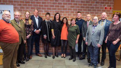 Kersvers voorzitter Sabine Wyns stelt nieuwe bestuursploeg N-VA Holsbeek voor