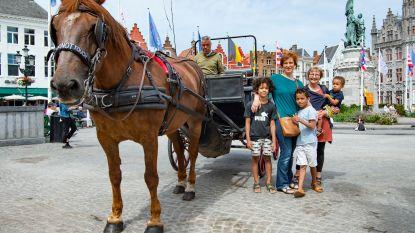 Op dagtrip naar Brugge: waar het bier onder je voeten stroomt en chocolade nergens ver weg is