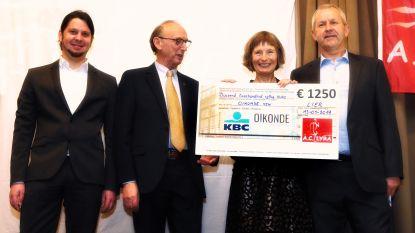 AC Lyra schenkt 1 250 euro van Kerstnatuurloop aan goed doel