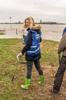 Project Schone Rivieren: 'Niet normaal, hoeveel plastic je langs de IJssel vindt'