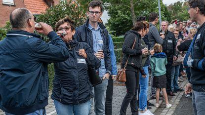 Beverse Schuimkraag Proevers doen opnieuw gooi naar wereldrecord 'Langste Toost'