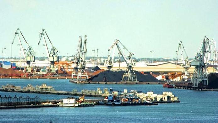 Zicht op de haven van Thessaloniki.