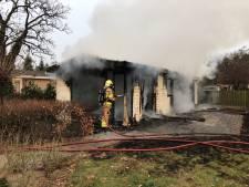 Verwoestende brand laat niets heel van chalet op vakantiepark Nijkerk