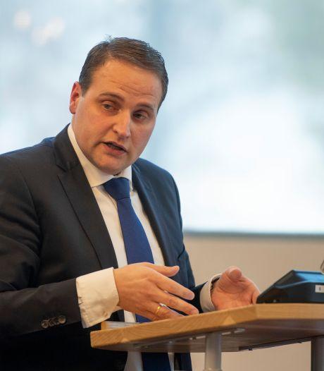 Raadslid Jan Jonker uit Vriezenveen besmet met corona: 'Gelukkig milde klachten'