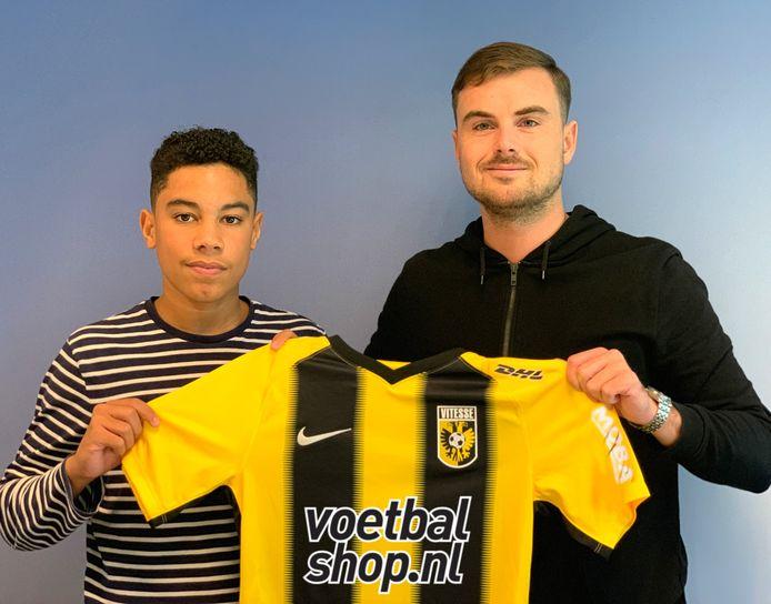 De 15-jarige Levi de Weerd (links) speelt voor Vitesse en is momenteel de beste FIFA-speler ter wereld.
