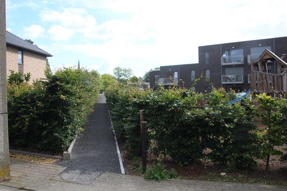 Tussen de Rodtstraat en WZC Prieelshof werd de trage weg al in het nieuw gestoken.