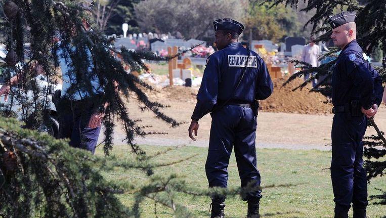Mohamed Merah werd vandaag in Cornebarrieu begraven.