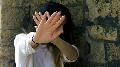 Sportleraar verkracht autistisch meisje (21) na spelletje 'waarheid, durven of doen?'