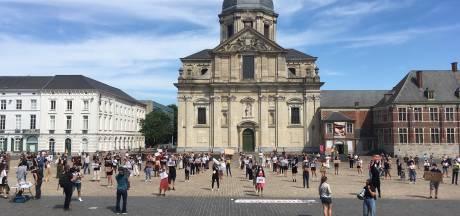 Kleine 500 mensen op Sint-Pietersplein voor 'verboden' betoging: stad en politie laten begaan