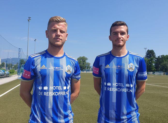 Hotel De Reiskoffer prominent op het shirt van NK Lokomotiva Zagreb. De talentvolle Jon Mersinaj (li) en Enis Cokaj hopen zaterdag in de basis te starten.