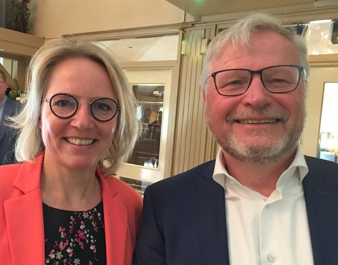 Elles in 't Veld met de huidige voorzitter Eric Carree.