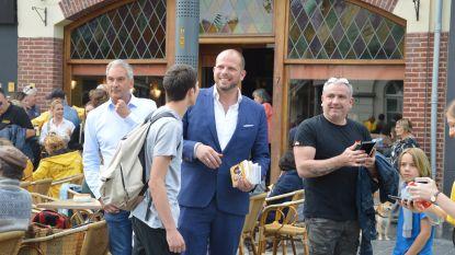 Theo Francken 'op staminee' in Ninoofse cafés