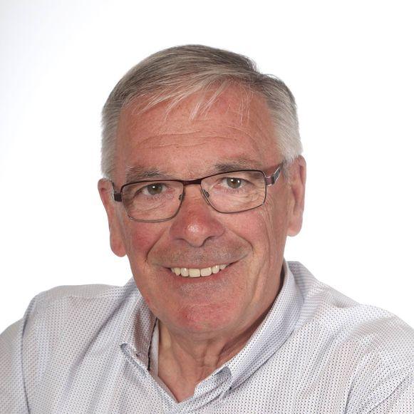 Dirk De Poortere (66) was tot 2009 hoofdinspecteur bij de politiezone Middelkerke, maar ging al in 2007 met ziekteverlof door een depressie bij een vete met de korpschef.