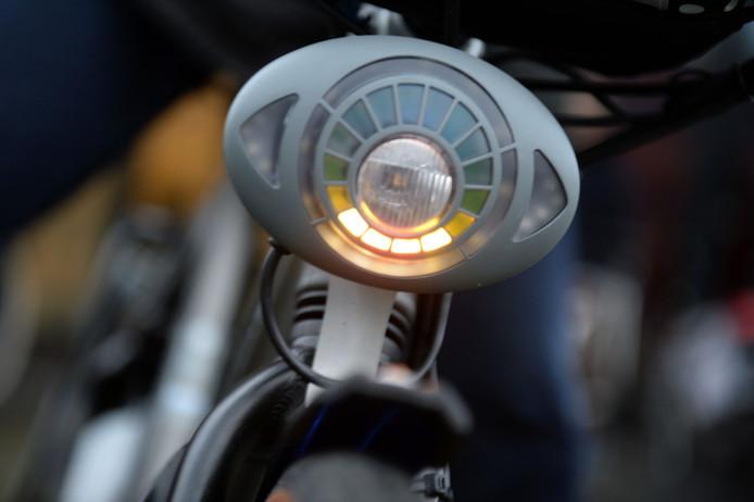 LED-verlichting in de voorlamp zorgt voor een snelheidsindicatie.