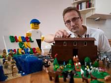 Doordeweeks ontwikkelt hij software, maar in het weekend bouwt hij bijbelverhalen met Lego
