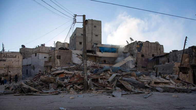 Gebombardeerd gebied in het oosten van Aleppo. Beeld afp
