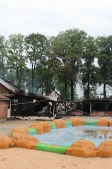 Oude hoofdgebouw van camping Duinlust totaal verwoest door brand