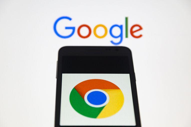 Het logo van Google Chrome op een smartphone.