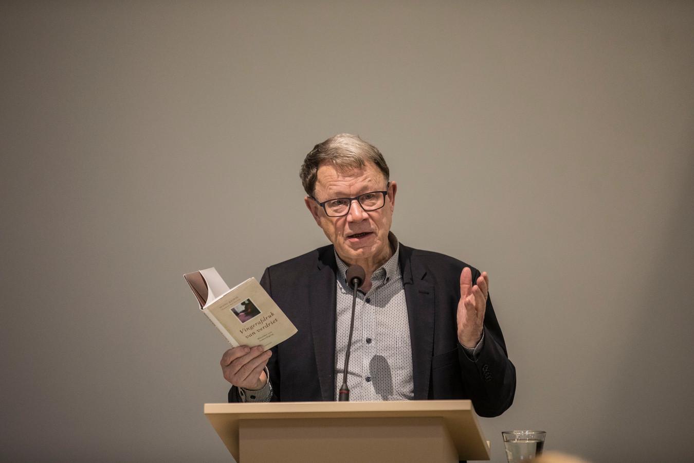 Psycholoog en rouwexpert Manu Keirse spreekt vanavond voor een volle zaal in Papendrecht over omgaan met verlies.
