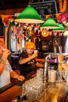 Oranjegekte moet nog losbarsten in Steenwijk... hopen de ondernemers