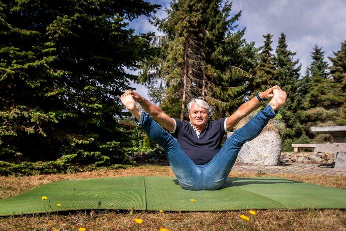 Soerendonk ED2020-6022 Yogaleraar *Nico Liplijn* stopt na 41 jaar met yoga lessen geven.