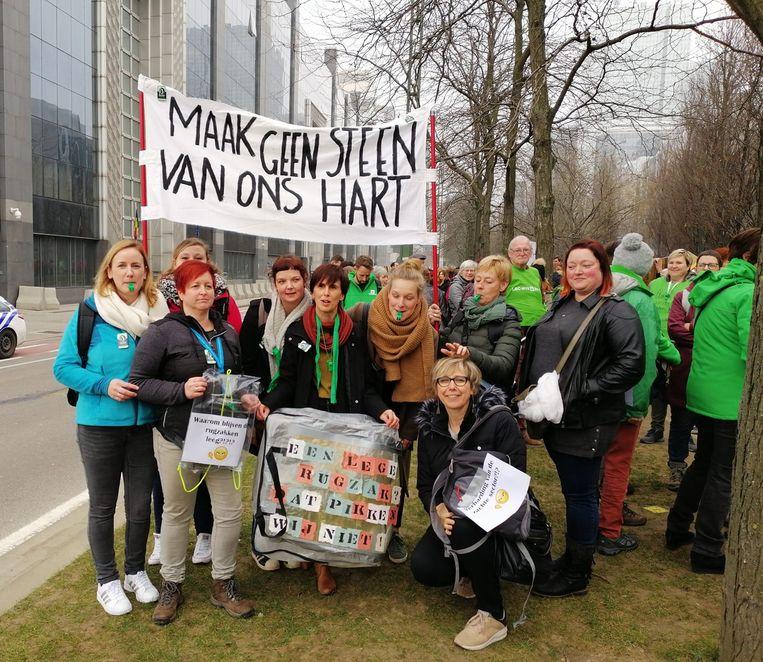 Een delegatie van Huis in de Stad ging protesteren in Brussel.