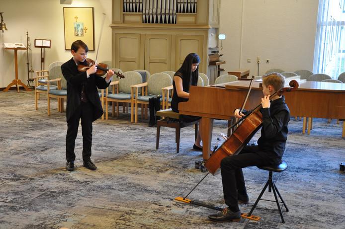 Trio Evan van Dijk