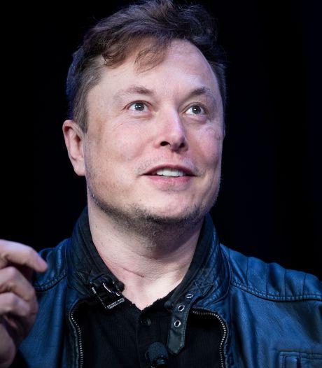 """Elon Musk promet """"cette année"""" un véhicule 100% autonome"""