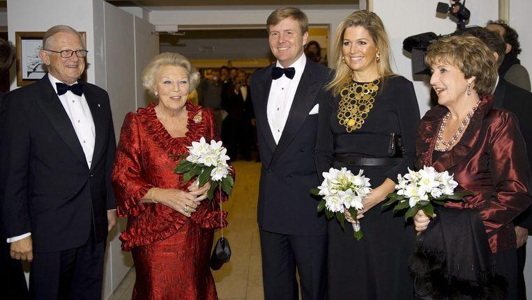 Pieter van Vollenhoven, Koningin Beatrix, prins Willem-Alexander, prinses Máxima en prinses Margriet bij de voorstelling VIER40 van Introdans, vorige week. Beeld epa