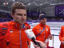 Sven Kramer krijgt lachers op zijn hand: 'Even wisselen Bert'